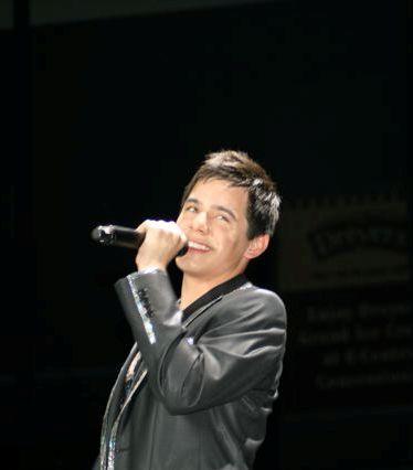 David Archuleta Christmas concert 2009