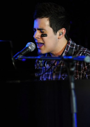 David Archuleta singing No Air