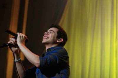 David Archuleta Christmas concert photo