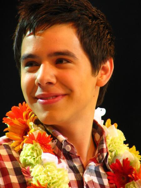 David Archuleta wearing a lei, Hawaii, February 2009