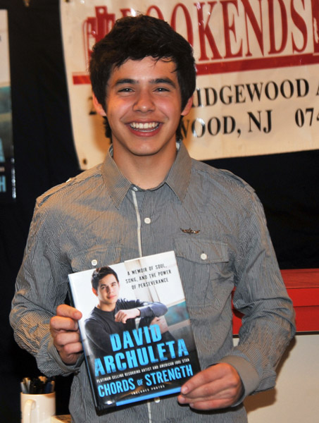 David Archuleta, first book signing, Bookends, New Jersey, 1 June 2010