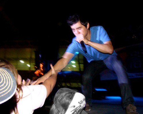 David Archuleta touches fan Becca, Memphis, TN concert. Photo: Becca